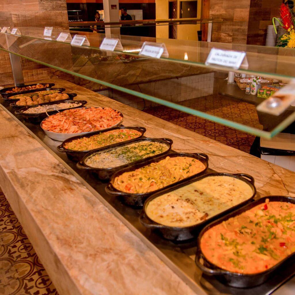 Parte do buffet no restaurante Miramar
