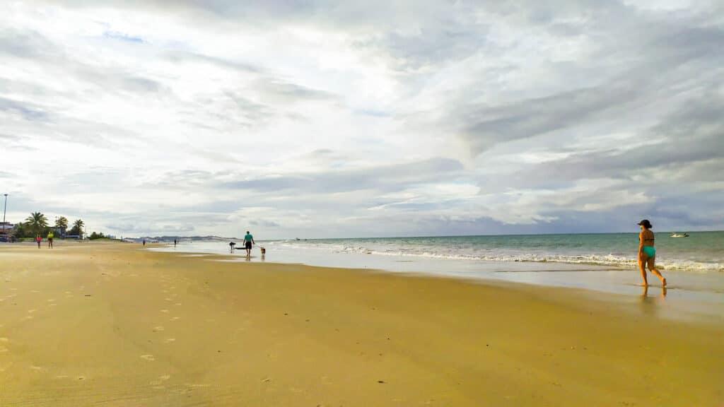 orla da praia de pirangi